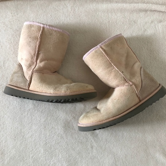 89caee241a8 UGG Classic Short II Boot (Women's), pink, size 7w